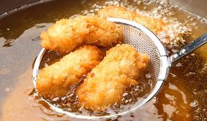 【送料込み】乳白色のぷりぷりの身が美味しい、播磨灘の一年牡蠣を手軽にフライで楽しめる。夕食のおかずやおつまみ、ホームパーティーにもぴったり《播磨灘一年牡蠣の牡蠣フライ24個(6個入×4袋)》