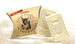【60%OFF/2個セット/選べる6つの香り】栄養豊富なロバミルクを贅沢に使用。きめ細かな泡立ちで、ボディもフェイスもすべすべに洗い上げる《アジニュス ロバミルク石鹸 100g 2個セット》