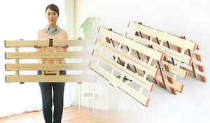 【送料込み/57%OFF】シーンによって姿を変える4つ折れ式すのこベッド。ベッドのほかに、布団干しとしても使用可能《薄型軽量桐すのこベッド4つ折れ式シングル》