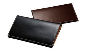 美しい光沢感と艶はリアルレザーならでは。使うほどに味が出る《Franco Collezioni 牛革長財布》札入れ部分にもポケットを設け、カードは16枚収納可能【選べる2色】