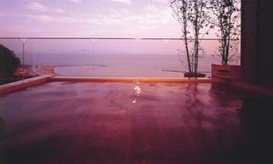 最上階の展望露天から見下ろす大パノラマ。目の前には海水浴場。夏旅に≪オーシャンビュー和室二間/みかわ牛 or アワビなど選べる会席/お部屋食/1泊2食付≫ @西浦グランドホテル吉慶