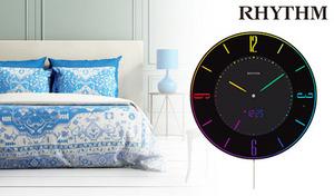 【送料込み】近未来的な雰囲気を演出する、フルカラーLEDとブラックボディの組み合わせが魅力。アナログ表示×電波時計×常時点灯の掛け時計《Iroria A》365種類の色表示が可能
