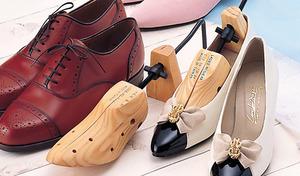 【左右兼用】かかとや小指が当たって痛くて履けない靴も、快適に履けるように《シューズストレッチャー 2P》無理なく簡単に伸ばせる