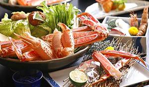 【50%OFF/兵庫・佐津】冬の味覚、松葉蟹をフルコースで。絶品料理宿から、心のこもったおもてなし《松葉蟹の刺し・焼き・味噌・鍋&ブランド但馬牛など厳選された香住の旬を満喫/1泊2食》