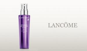 《ランコム レネルジー M FS セラム 50mL》メラニンの生成を抑え、ハリや弾力のある若々しい素肌へと導く。乾燥しがちな肌をたっぷりの潤いで満たす美容液。