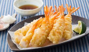 【送料込み】衣が少なめでプリプリのえび感を重視した本格えび天ぷら。面倒な下ごしらえは不要で、レンジで調理が可能《えび天ぷら 20尾入り》