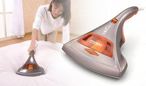 【54%OFF】毎分5,200回のたたき振動で、布団の奥に潜んだダニやホコリを浮き上がらせて吸引。UV紫外線ランプでしっかり除菌《UV布団クリーナーMR3 El-50022》