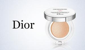 """【選べる2色/SPF50・PA+++】《ディオール スノー ブルーム パーフェクトクッション》みずみずしい美しさが咲き誇る""""クッションファンデ""""。肌表面の温度をクールダウンさせ、べたつく肌をすっきりと"""