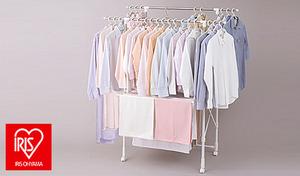 省スペースなのに約6人分の洗濯物が干せる。使用用途に合わせて幅・高さの伸縮可能《たっぷり室内物干し》キャスター付きで移動もラクラク