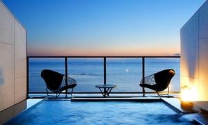 雑誌の表紙にも選ばれた、青い海の景色を特別な一室から≪露天風呂付客室 / 当客室限定の特撰会席 / 1泊2食付≫ @ホテル南風楼