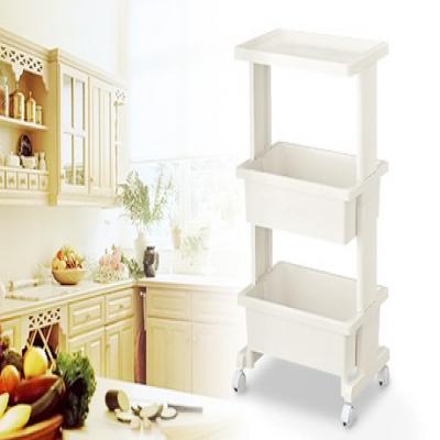 物を入れやすく落ちにくい深さのカゴと、ちょっと物を置くのに便利なフラットな天板付き。キッチンやリビング、子ども部屋などさまざまなシーンで活躍《リセ テーブルワゴン3段 ホワイト》
