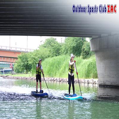 【都会でSUP体験/気軽にできるアウトドア】川辺の緑を眺めながらゆったり水面散歩。ひと味違った東京の遊びを満喫。リフレッシュや朝活にも。女性・初心者歓迎《東京SUP体験ツアー》