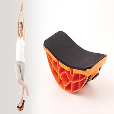 【ヨガインストラクター監修】フラミンゴみたいなポーズで毎日1分、片足で乗るだけ。体幹トレーニングができるトレーニングアイテム《ユラミンゴ》