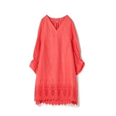 【70%OFF/LUNARIA】リネン特有の軽い着心地が魅力的。シンプルなボトムスに合わせるだけでサマになる一枚《フレンチリネン刺繍Vネックチュニックブラウス》