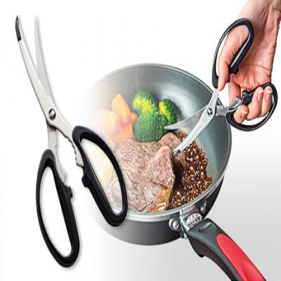 シャープな切れ味で毎日の調理をサポート。お肉も切れるギザ刃やスムーズにカットできるカーブ刃を採用《プログレード キズつけにくいキッチンはさみ》