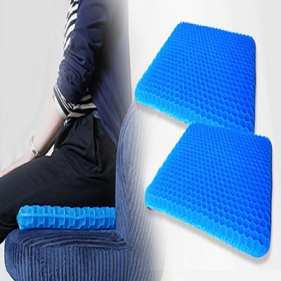 【57%OFF/2枚セット】普段お使いの椅子がまるで無重力のような座り心地へ。長時間座り続けるデスクワークや運転中の腰への負担が気になる方に《無重力ゲルクッション2枚セット》