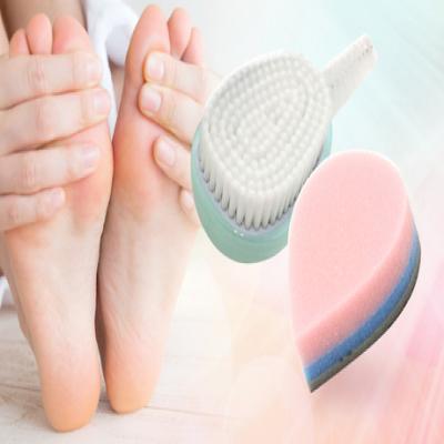 【51%OFF/フットケア2点セット】足専用の洗浄ブラシとクッション製の足やすりのダブル使いで、つるんとなめらかな美しい足元を目指す《マルチフットケアブラシ&スムースマジッククッション足やすりセット》
