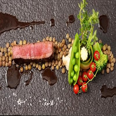 【食通も虜にする、とっておきの一軒】和と仏のマリアージュが愉しめる本格フレンチのお店。魚と肉のWメイン、旬食材の前菜、デザート盛り合わせなど全8品《和洋コース》温かみのある上質な空間